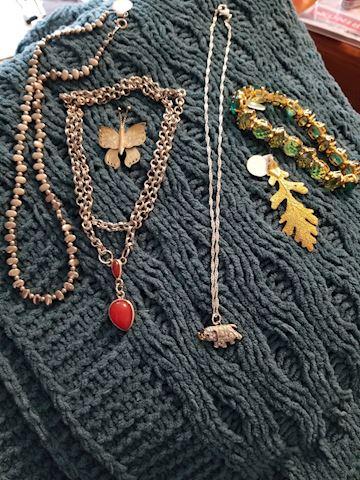 Jewelry lot - 6 pieces