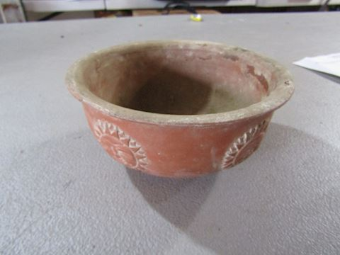 TRIBAL POT