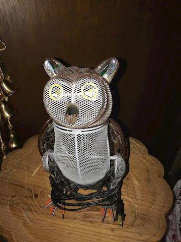 VINTAGE LARGE MOVING LIGHTED ELECTRICAL OWL