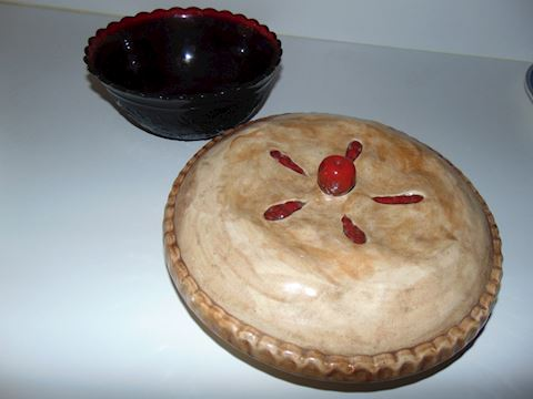 Avon Cape Cod Bowl and Cherry Pie Server