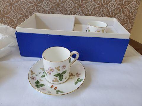 Pair of Wedgwood teacups in Box