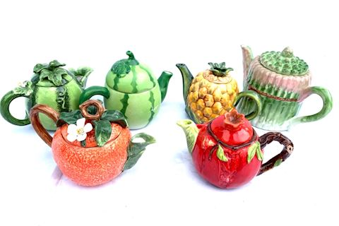 Fruit & Veggie Teapots Lot 013