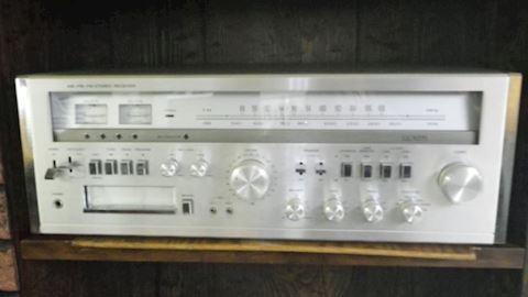 Lloyd's AM/FM Stereo Receiver