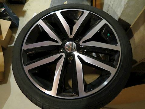 (4) Volkswagen Wheels with New Tires