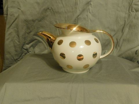 Hall Teapot with no lid