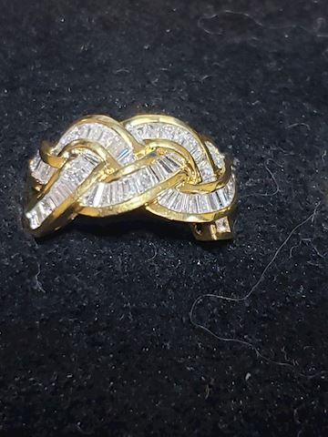 1.20ctw Baguette Diamonds set in 18K Gold