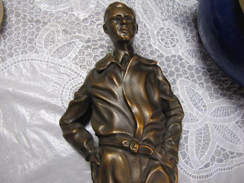 Charles Lindburg Bronze Statute