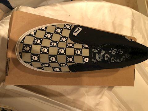 Size 8 sneaker slip on shoe