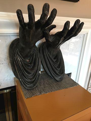 Hand shelf holders