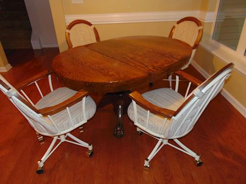 Oak Pedestal Kitchen Table with Chairs