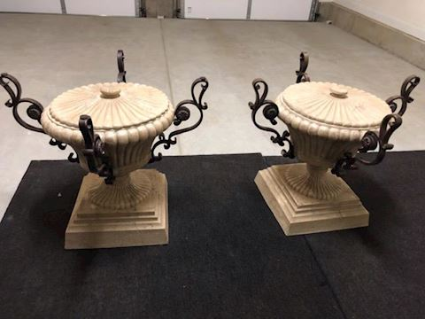 table base Urns