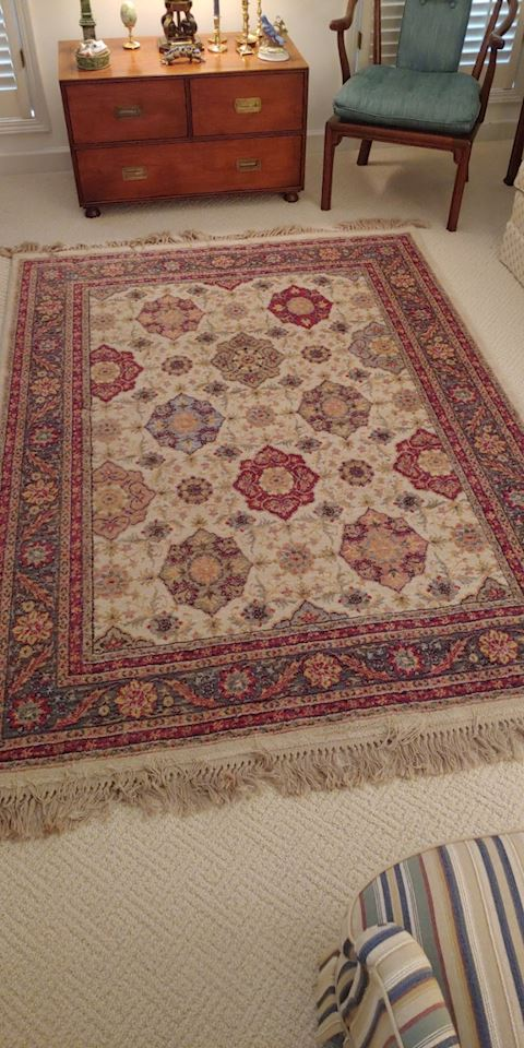 Area Rug Great Colors Bidding Ends
