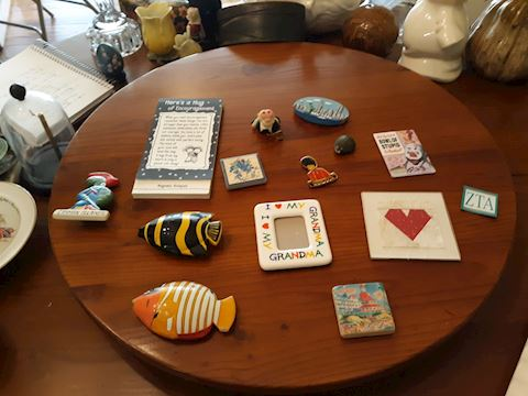 D-171...Assorted Magnets, frames and fish
