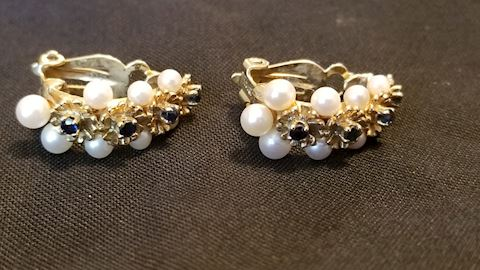14K gold saphire and seed pearl earings