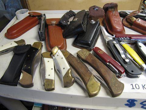 100 Knives - Retail Between $500 - $800