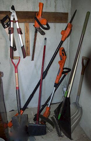 10 Assorted Garden tools.