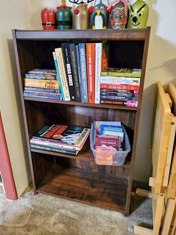 book shelf (Books Not included)