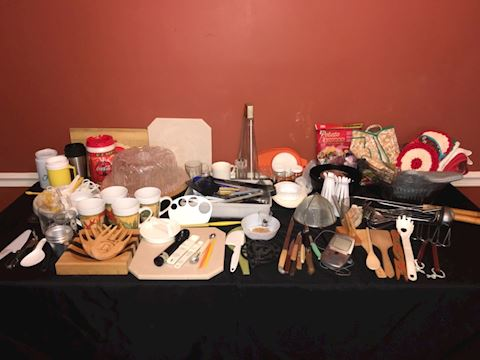 Big lot plastic kitchen and serving ware