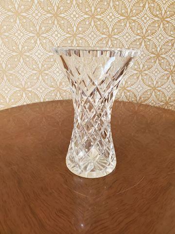 Cut crystal vase with diamond pattern