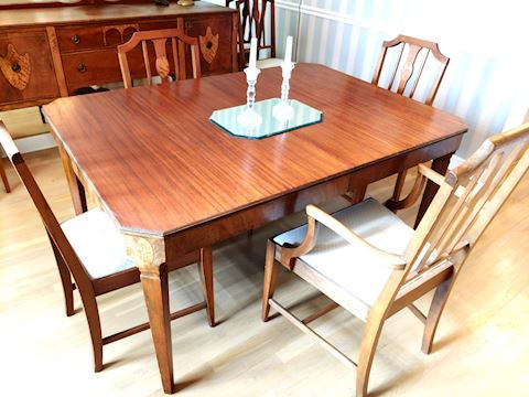 Antique Dining Table w/ 6 Matching Chairs