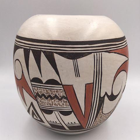 Delores Namoki Native American Pottery Vase