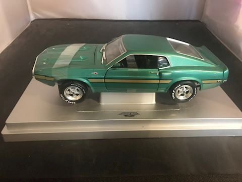 Cobra 428 1:18 Scale American Muscle Die Cast car