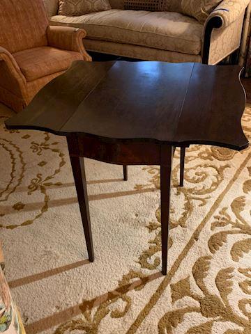 LIV  122  Drop side table
