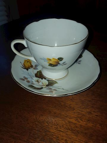 Gladstone yellow rose cup & saucer