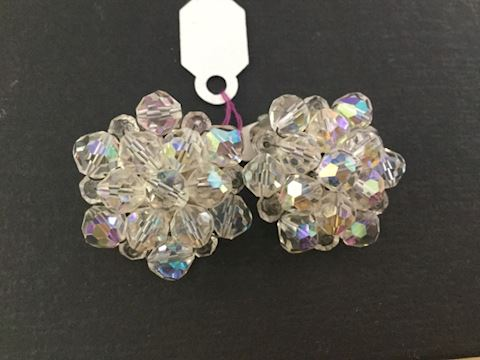 Crystal bead clip earrings
