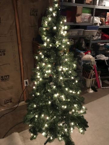 6 foot fully lit Christmas tree