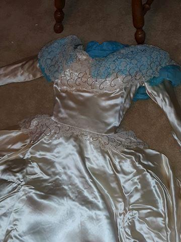 "BR2  123  ""Early 1950's Handmade Wedding Dress"""