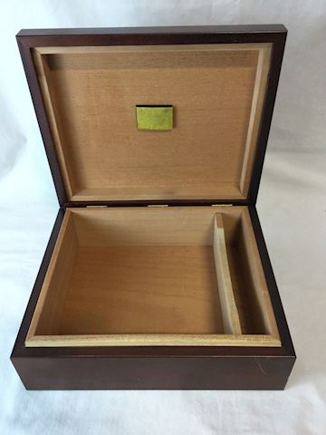 Hillsdale House cigar humidifier box 80Q