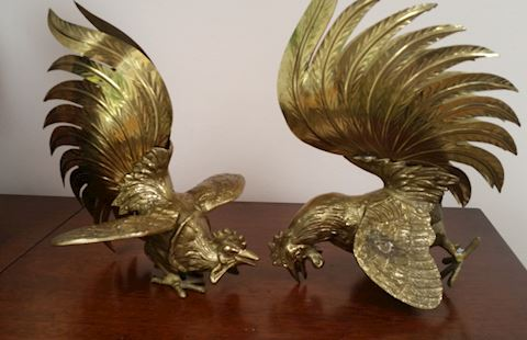 PAIR OF BRASS VINTAGE FIGHTING ROOSTERS