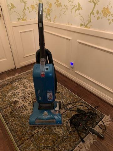 LIV. 100   Vacuum Cleaner