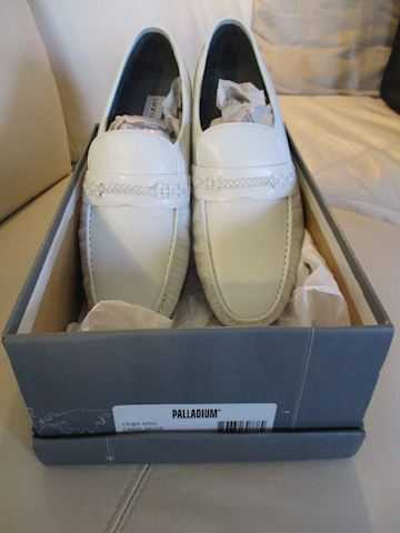 Men's white leather shoes