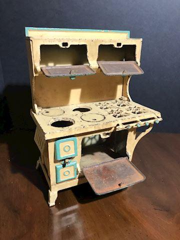 Liv.  543.   1929  Children's stove