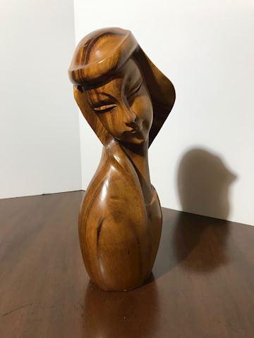 Liv.  537 Monkey Pod Wood Sculpture