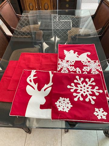 18x18 Festive Christmas Pillow Covers. (4)