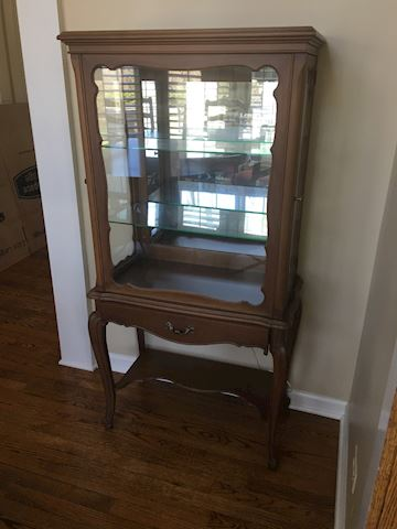 Curio Collectibles Vintage Display Cabinet