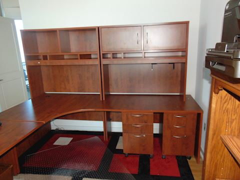 Contemporary desk with return and carrells