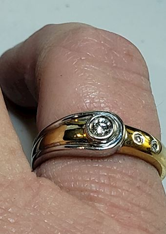 18k Yellow and White gold Diamond Ring 6 1/2