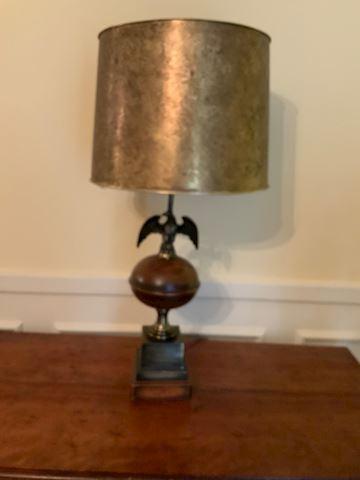FAM. 200. Eagle Lamp