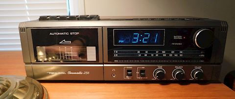 Desk Top Clock Radio and Cassette Player