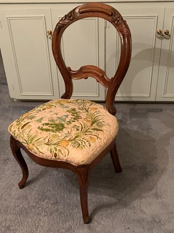 MB 108. Floral Chair