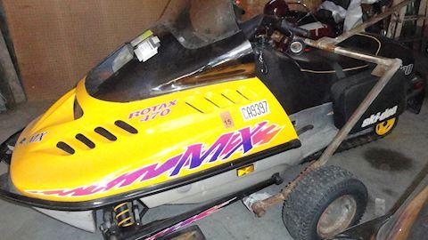 1995 Skidoo MX Rotax 470 snowmobile Lot  #4