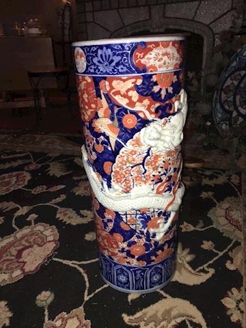 Oriental vase/umbrella stand
