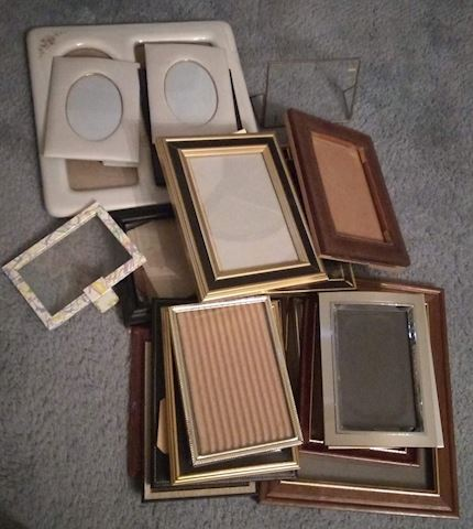 MB  316  Various picture frames
