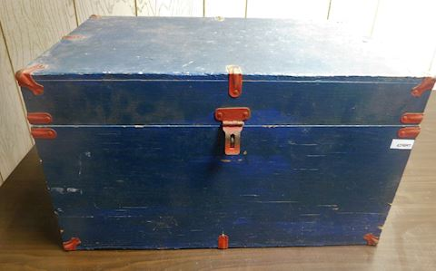 097 Antique Blue Chest