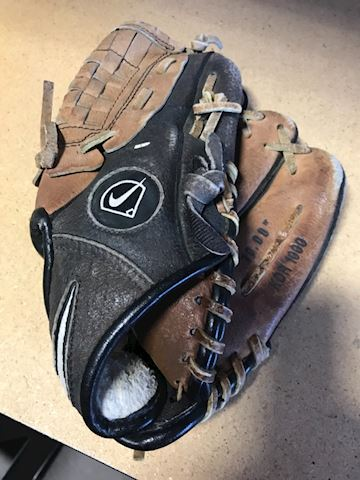 Nike baseball glove