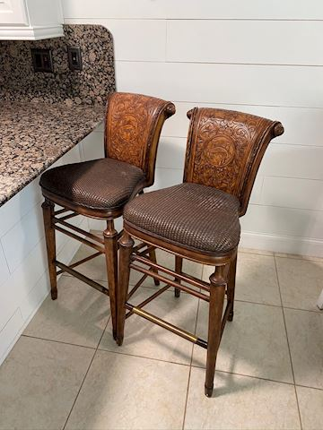 Thomasville Hemingway Collection Barstools